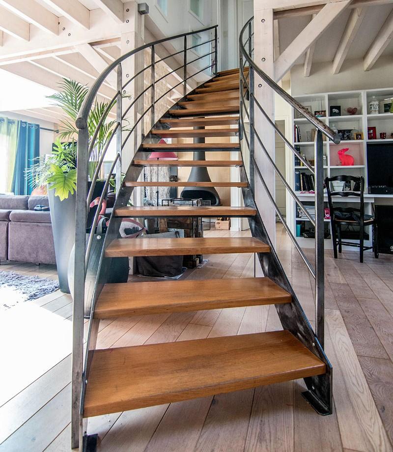 escalier bois et metal istres bouches du rh ne garde corps et rampe escalier metalbois rampe. Black Bedroom Furniture Sets. Home Design Ideas