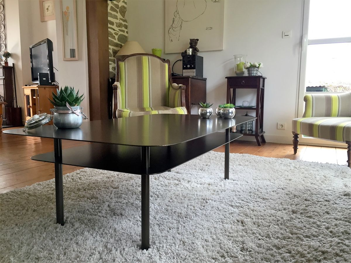 table basse metallique laque metallerie martin m tallerie martin. Black Bedroom Furniture Sets. Home Design Ideas