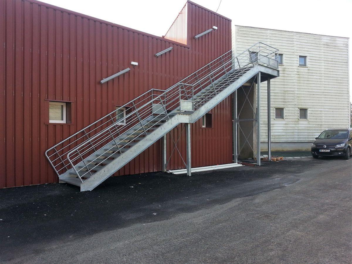 Escaliers de maison individuelle m tallerie martin for Escalier palier exterieur