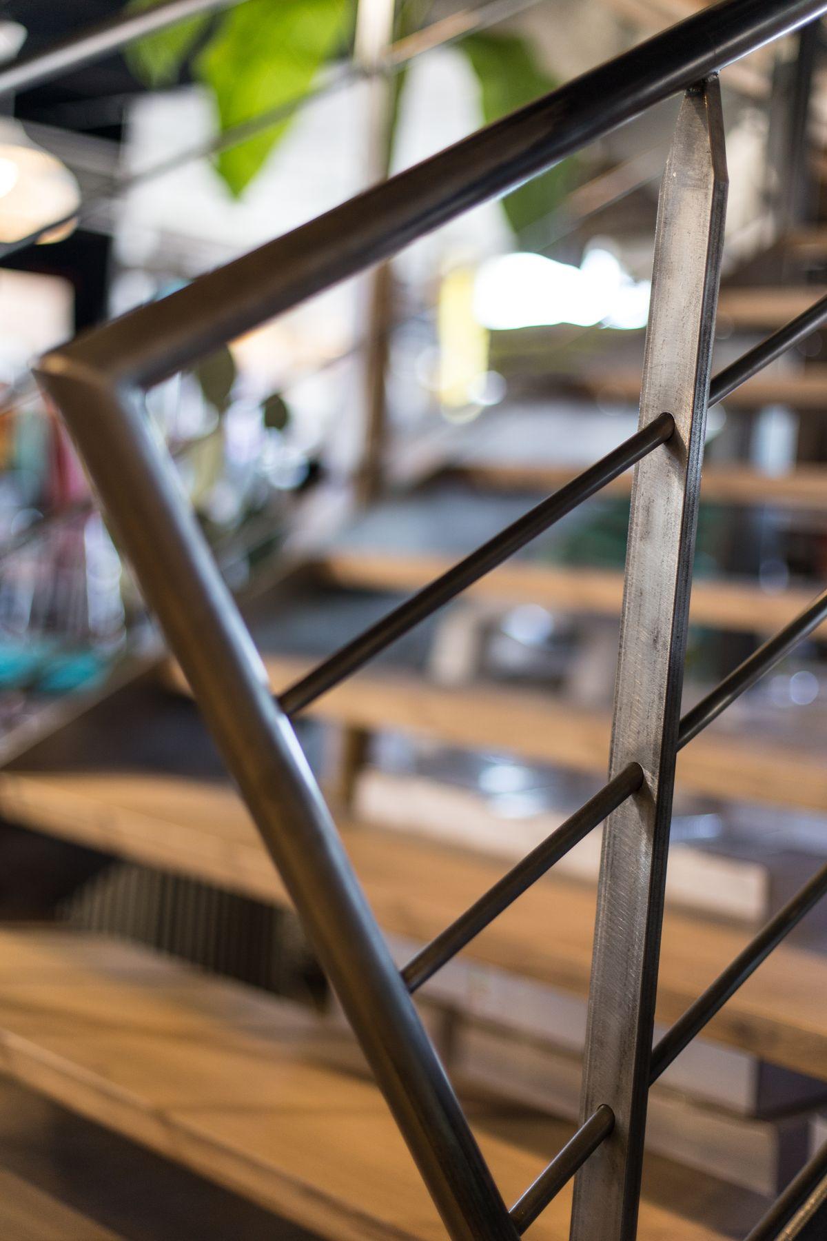 Détail d'un escalier métallique
